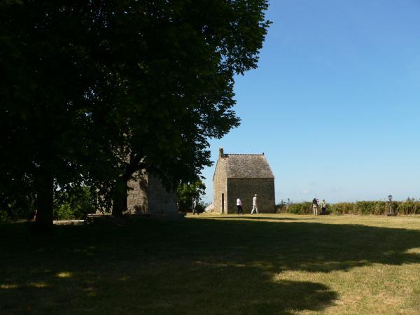 La chapelle sur le tertre du Mont-Dol (3)