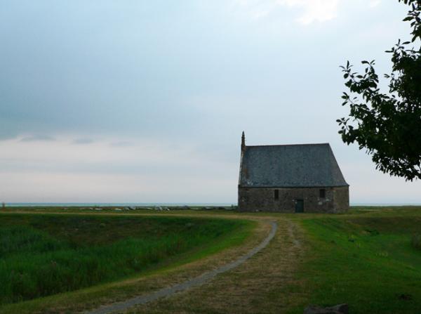 Face à la Baie, la chapelle Sainte-Anne