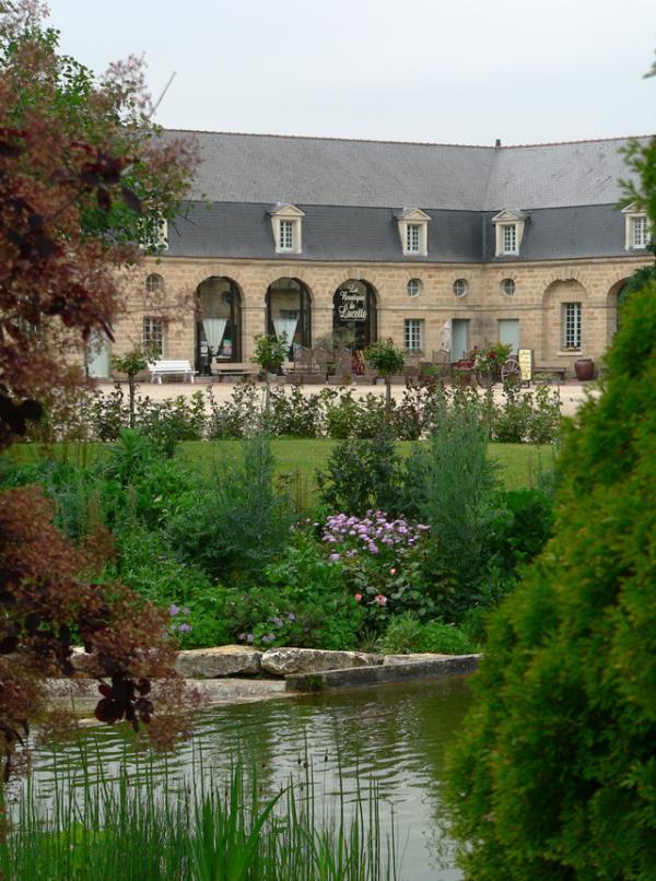Doué la Fontaine- Jardin des roses