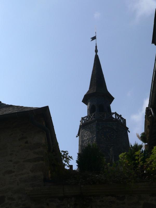 DINAN, la tour de l'horloge