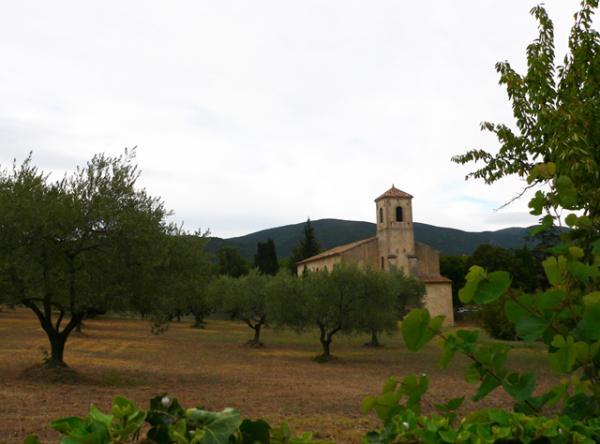 Nichée dans la verdure du Luberon