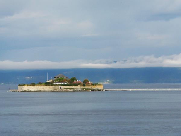 île sous le bleu