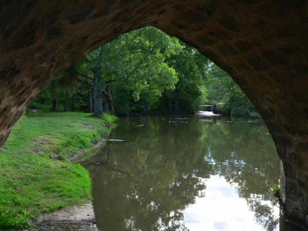 Sous le pont de pierre