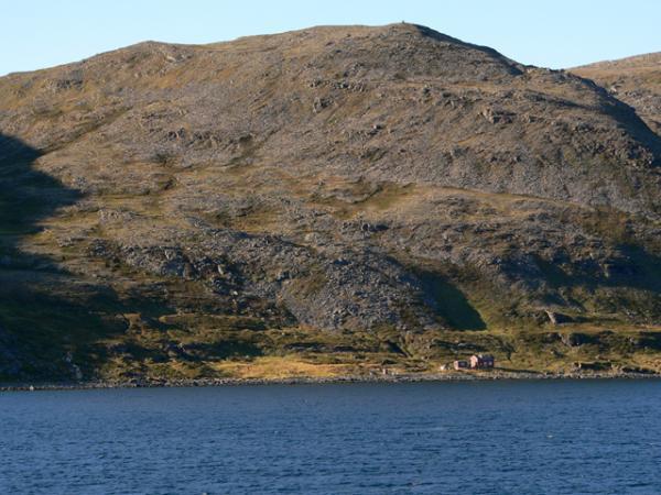 Maison perdue entre mer et montagne!