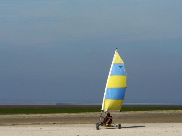Au cœur de la Baie, Cherrueix et son espace Char à voile!