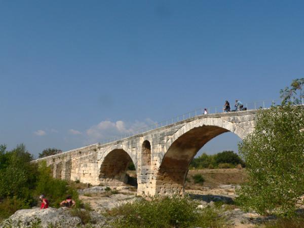 Le pont romain dans le Luberon