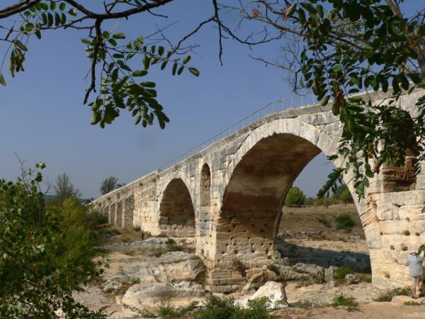 Au cœur du Luberon, le pont Julien