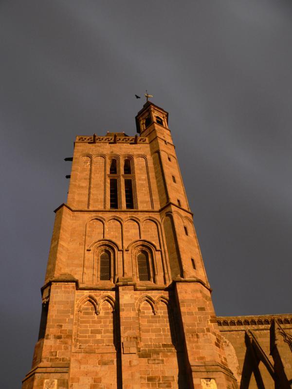Une des tours de la Cathédrale de DOL de Bretagne