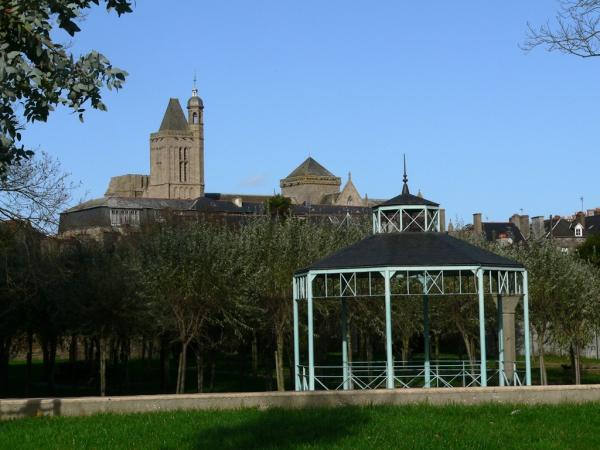 DOL de Bretagne- Le kiosque
