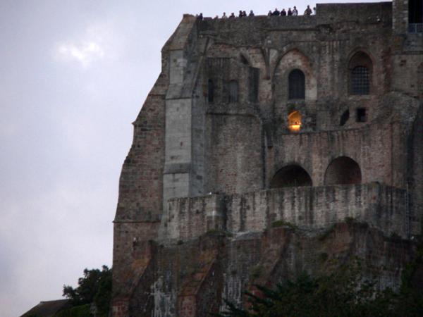 Un soir de grande marée au Mont-Saint-Michel