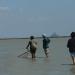 Pêcheur et promeneurs
